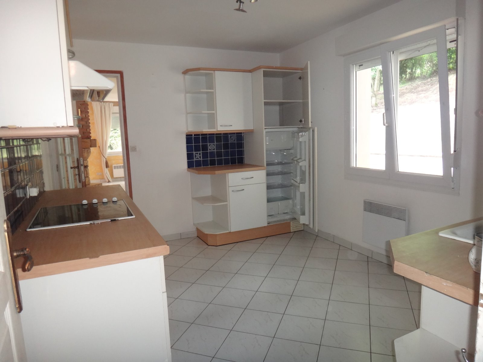 Vente pavillon r cent vall e de la cr quoise for Garage 2000 montreuil